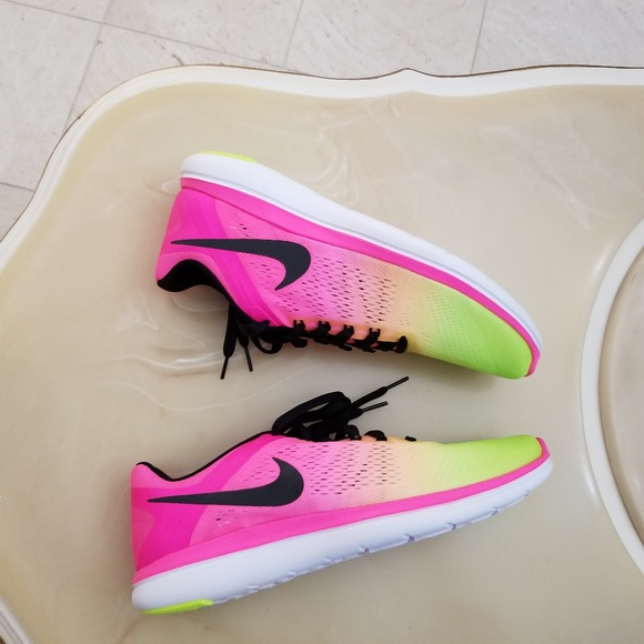 eecc21deef375 Nike Flex 2016 RN OC Men s Running Shoes. M 5a8903aca6e3ea05da185bf6